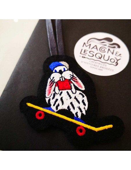 MACON ET LESQUOY Bijoux de sac lapin en skate