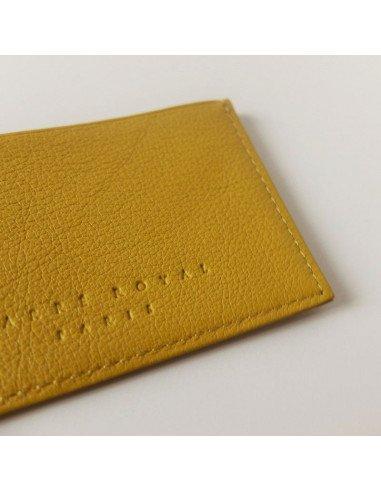 porte carte cuir femme Carré Royal maroquinerie | Porte cartes en cuir coloris jaune