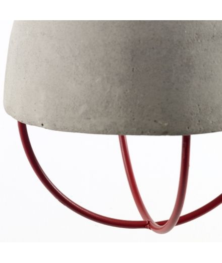 serax design marie michielssen industriel contemporain Suspension béton brut et métal rouge