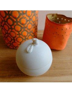 rader design boite ronde porcelaine blanche decors feuilles et gland baptême dragées