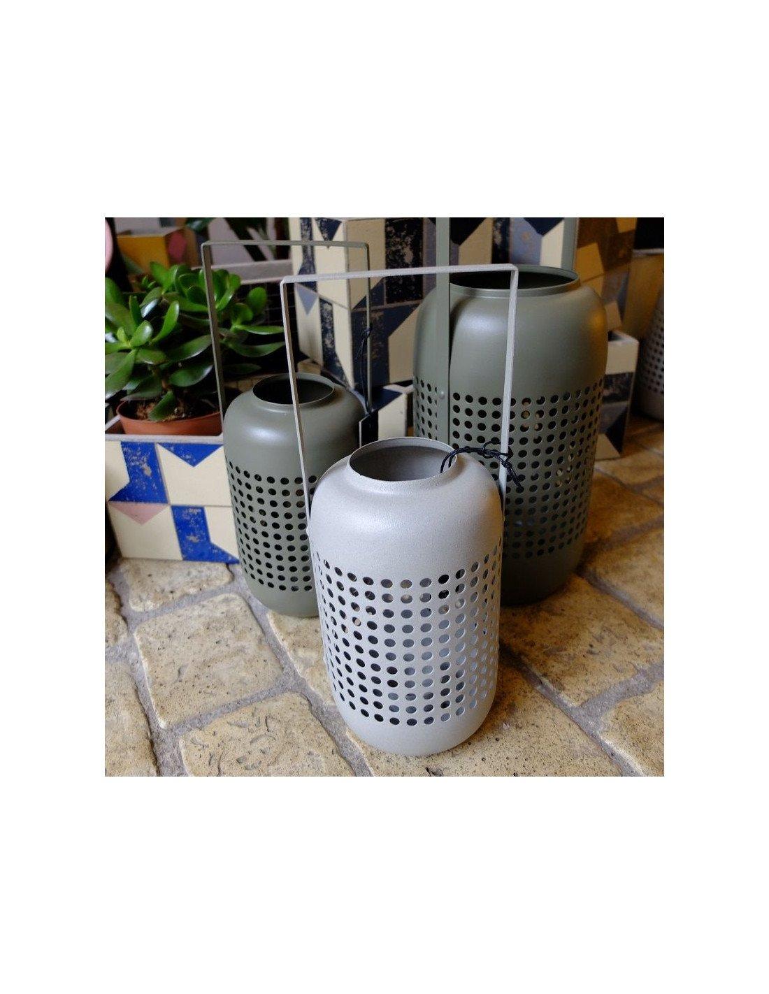 house doctor lanterne photophore en m tal laqu gris. Black Bedroom Furniture Sets. Home Design Ideas