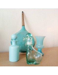 Bouteille caniche en verre turquoise brocante vintage