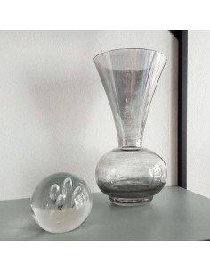 Petit vase en verre transparent noir