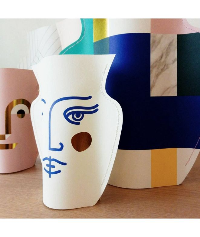 octaevo mini vase en papier mod le janus blanc bleu et or. Black Bedroom Furniture Sets. Home Design Ideas