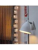 Applique Cornette en porcelaine Tsé et Tsé associées lampe porcelaine