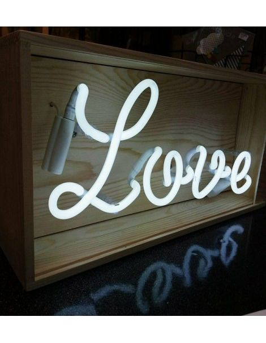 Boite néon Love luminaire bazardeluxe deco tendance indus