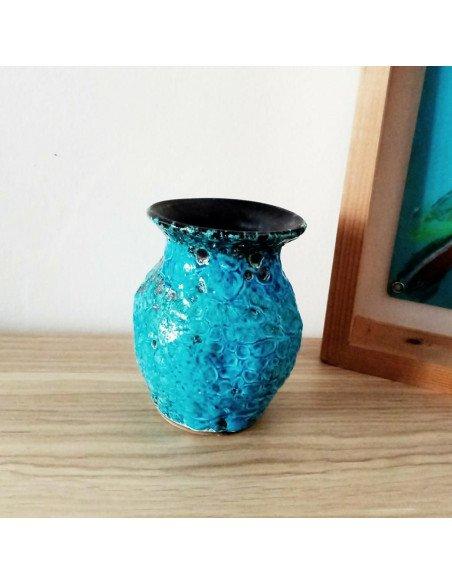 Petit vase en émail soufflé bleu - VENDU !