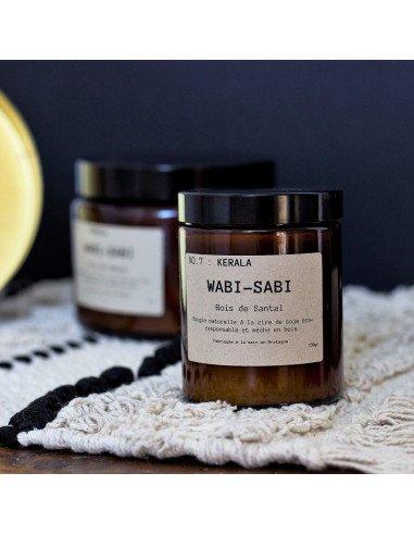 WABI-SABI Bougie Kerala éco-responsable à la cire de soja mèche en bois bois de santal made in France