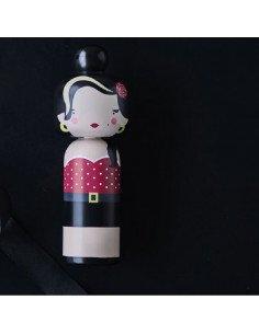 LUCIE KAAS Becky Kemp Sketch Inc. Figurine en bois Kokeishi Amy Winehouse